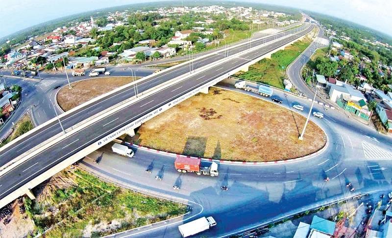 Đường cao tốc TP.HCM - Long Thành - Dầu Giây đưa vào vận hành đã phần nào đáp ứng nhu cầu vận tải, phục vụ phát triển kinh tế - xã hội khu vực.